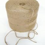 Jutegarn 4 trådet. Lækker tyk upoleret kvalitet. ca.1500 m. kr 159,00